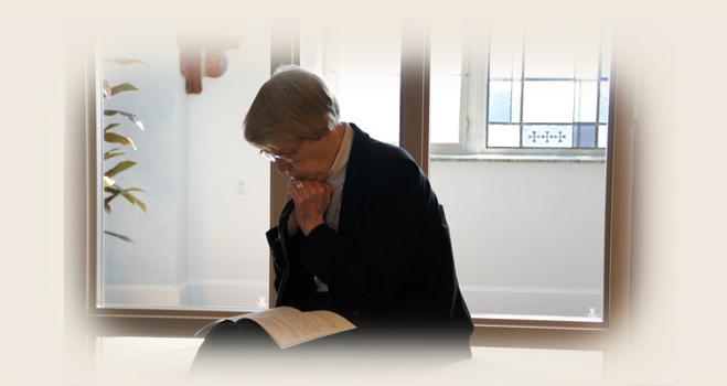 Sister Patricia Wilson in prayer.